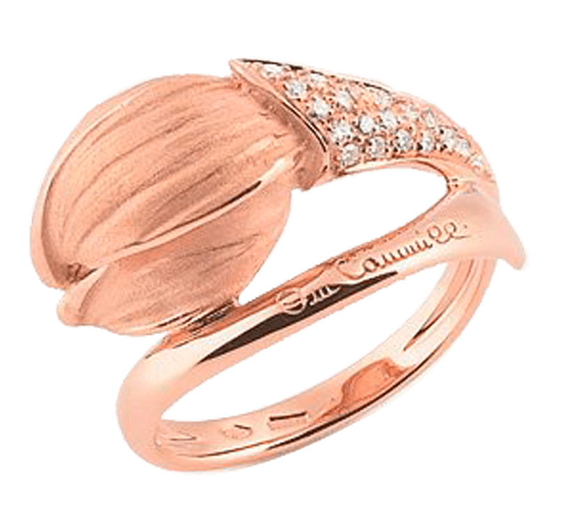 Шедевр ювелирного искусства. Великолепное золотое кольцо с бриллиантами эксклюзивного дизайна. Золотой бутон тюльпана, который только начинает распускаться — изысканный подарок для настоящей леди.