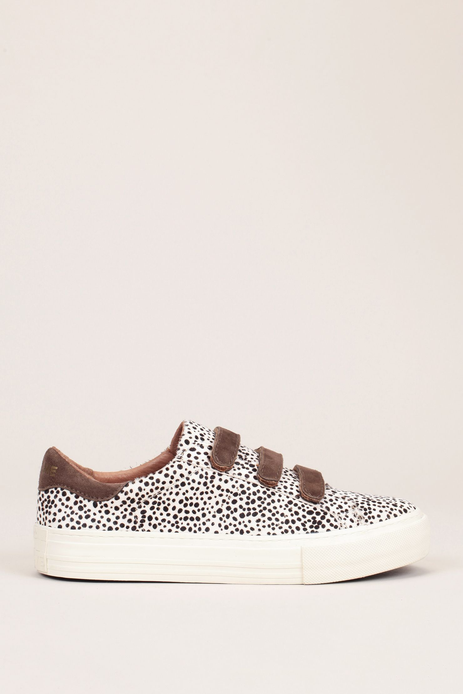 FOOTWEAR - Low-tops &amp; sneakers Ros</ototo></div>                                   <span></span>                               </div>             <div>                                     <section>                                             <div>                                                     <ul>                                                             <li>                                                                     <div>                                                                             <a href=