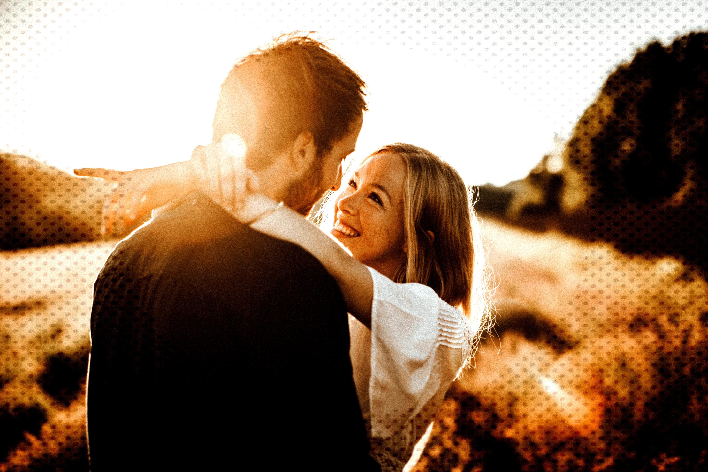 love intimate   shooting im lavendelfeld   couple shoot   wedding   sunset shooting   free spirit  