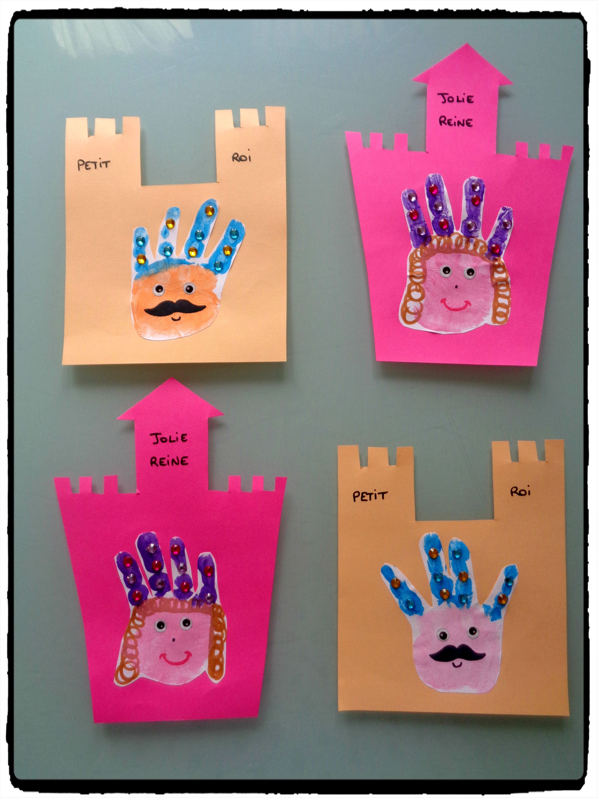 Petit roi et petite reine en empreintes de mains -