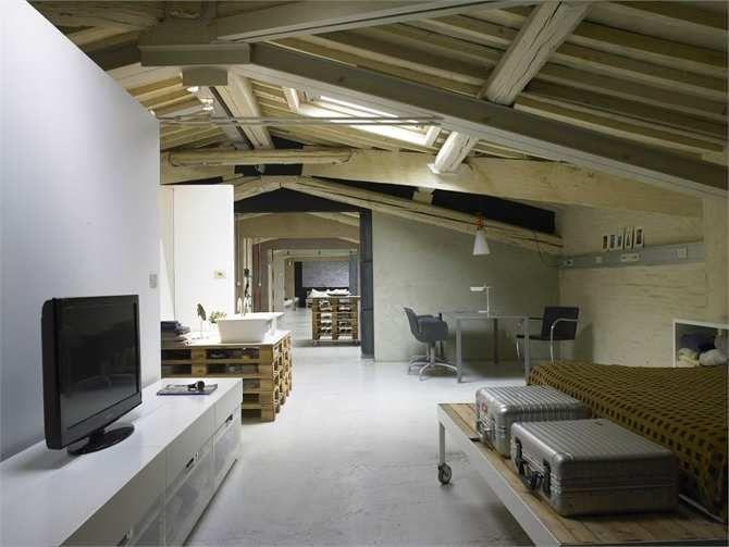 Arredare sottotetto ~ Pallets loft il recupero di un sottotetto industriale a firenze