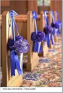 Cute idea for church pews | Idea molto carina per addobbare la #chiesa nelle tonalità del #lilla