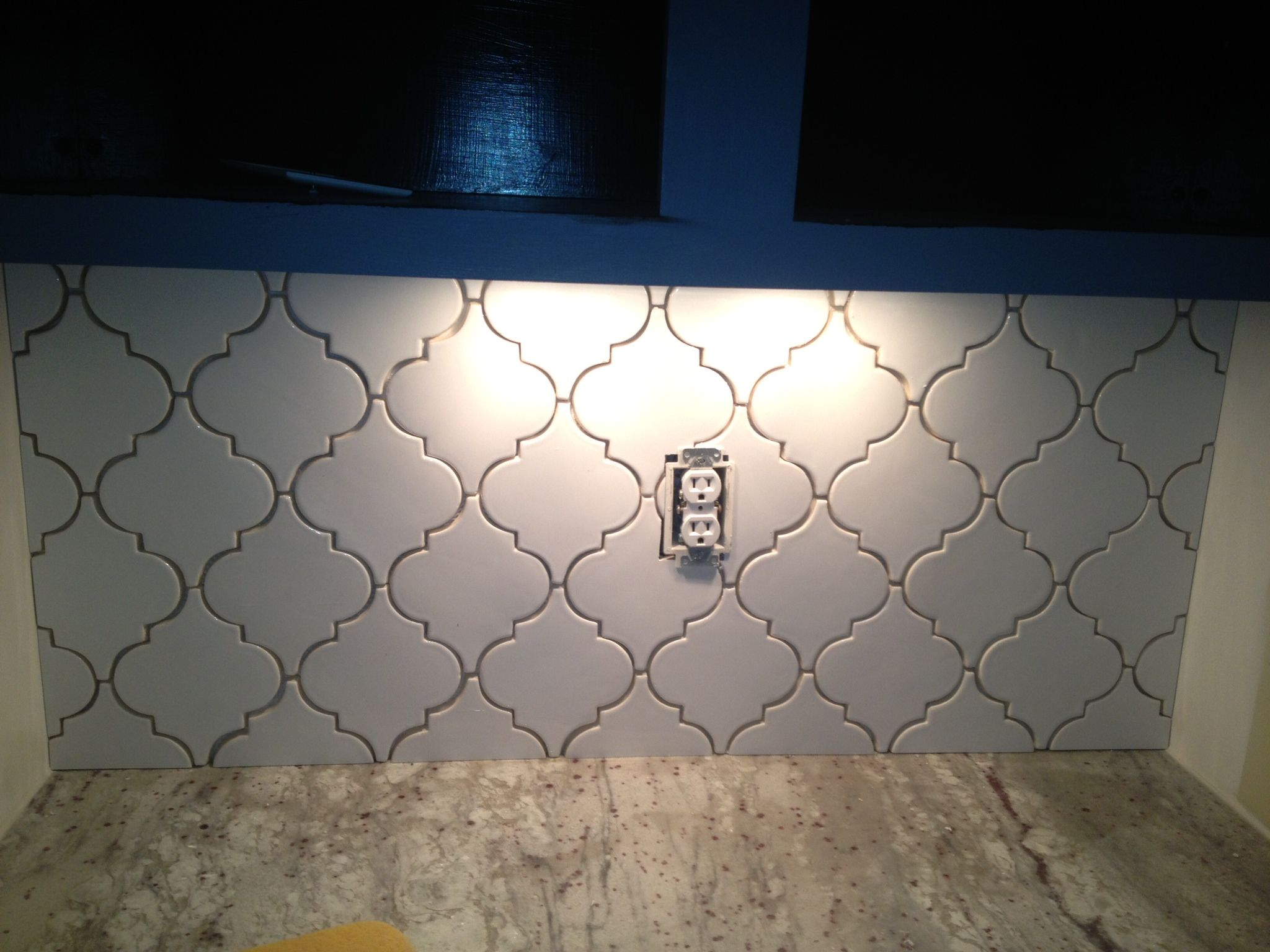 Beautiful Handmade Arabesque Pattern Installed By C M Byrd Come Visit Us At Triangle Tile Stone Arabesque Tile Beveled Arabesque Triangle Tiles