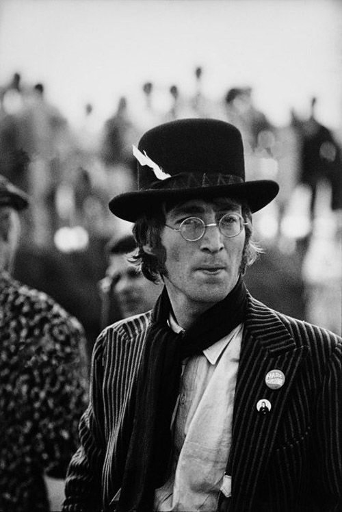 John During The Filming Of Magical Mystery Tour 1967 Photo By Herman Selleslags John Lennon Lennon The Beatles
