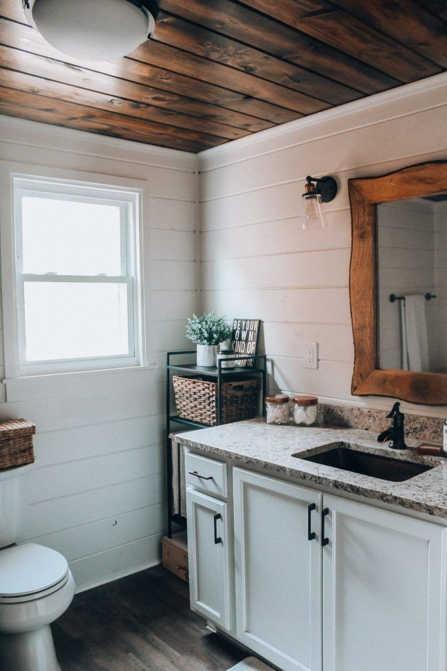 DIY wood plank ceiling - how to easily install a shiplap ceiling in your home // No-nonsense project tutorial to make planking your ceiling simple