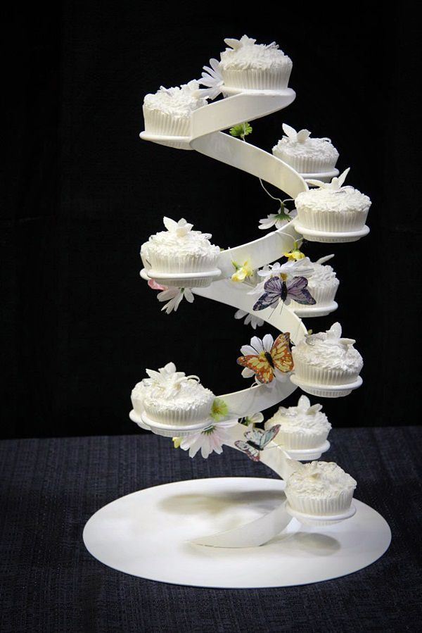 Diy Wedding Cake Stand Sitting Atop Diy Mat Created With 20