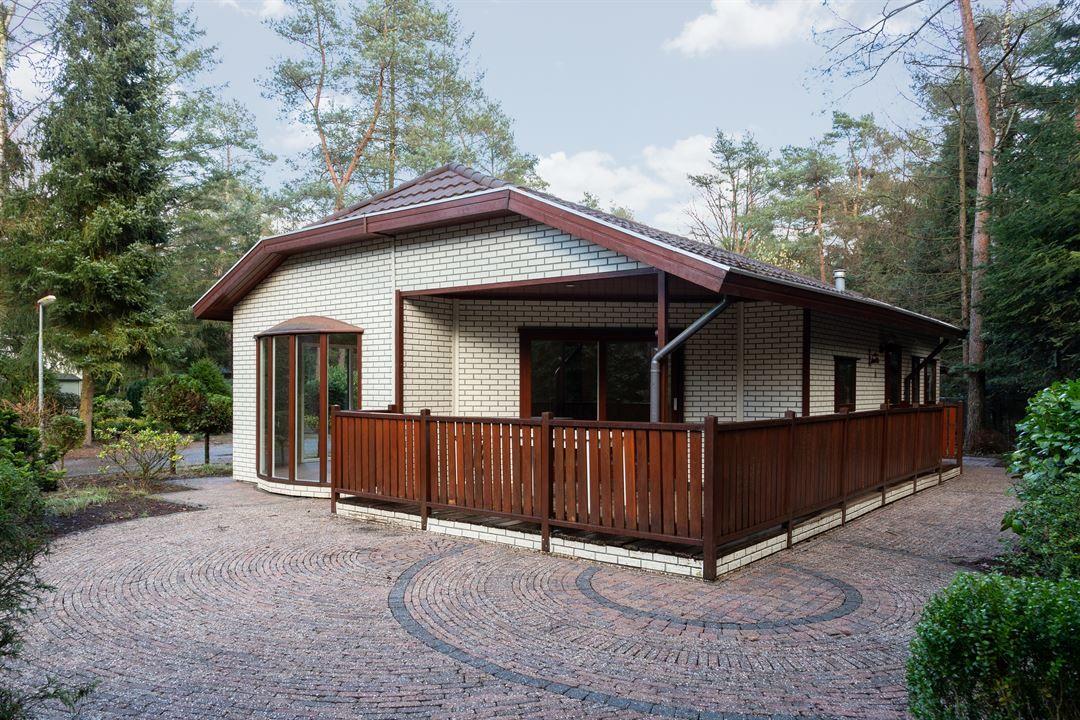 Huis Te Koop Reeenbergweg 18 102 7361 Gr Beekbergen Funda Buitendecoraties Huis Buiten