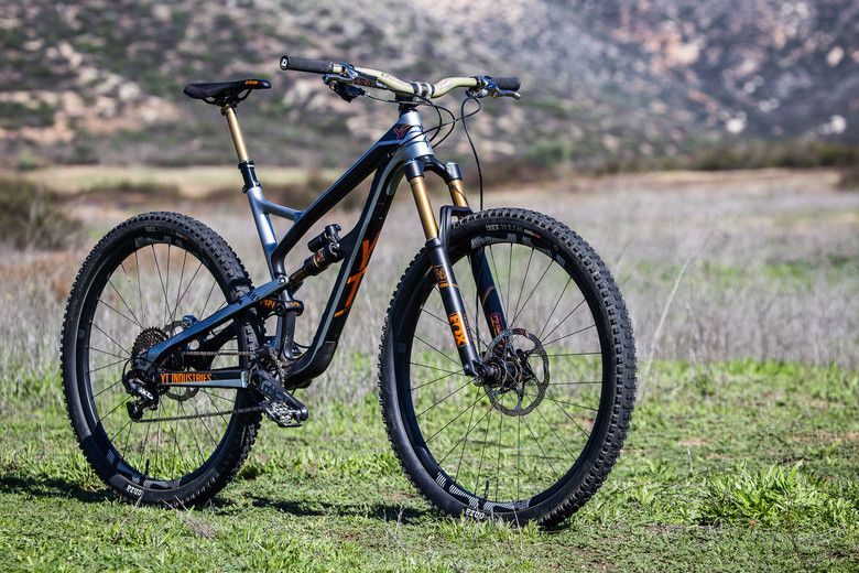 Aaron Gwin S Yt Capra Vs Yt Jeffsy Bike Vs Bike Cannondale