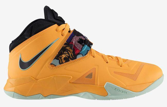 "Nike Zoom Soldier VII ""Laser Orange"""