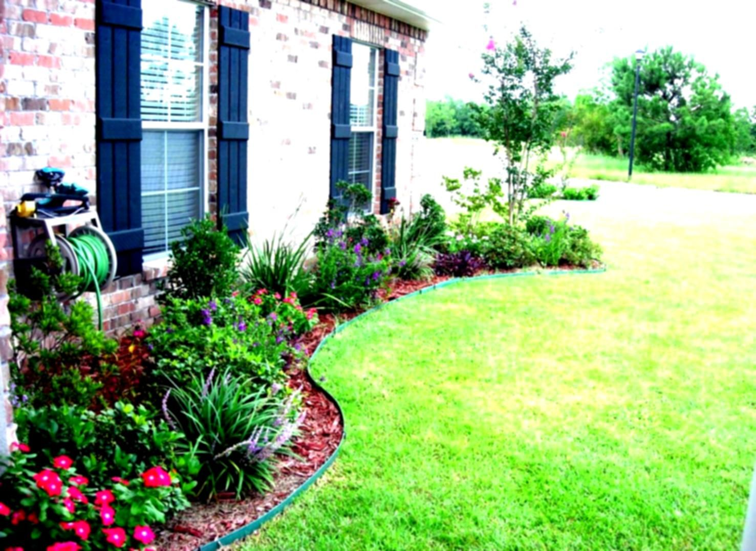 Inspirational Simple Landscaping Ideas for Front Yard