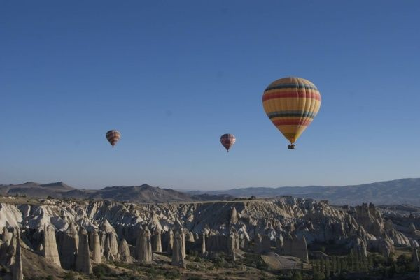 Hot Air Balloons, (tourismontheedge, 2011)
