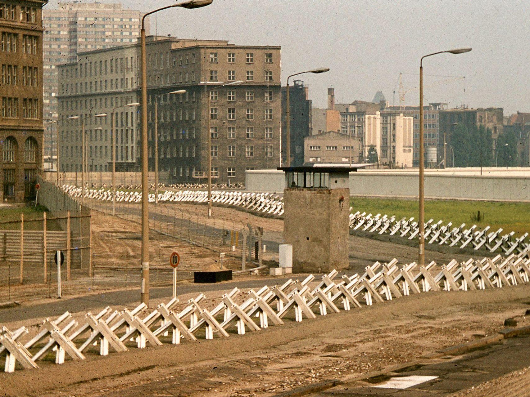 berlin wall wikipedia berlin hauptstadt berliner on berlin wall id=29218