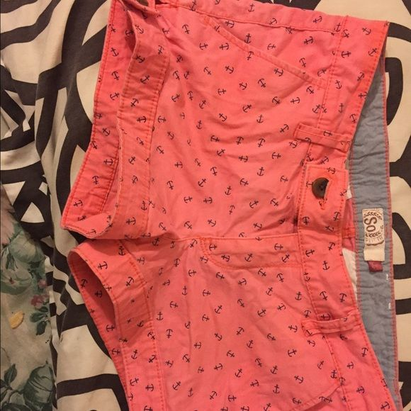Pink shorts with small blue anchors on them Very comfortable shorts! Got them about two years ago. Still in very good shape! Bought originally for $17. Shorts