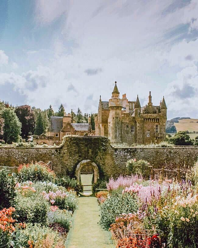 The 15 Best Castles in Scotland - Avenly Lane Travel