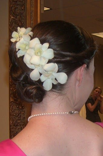 Pin By The Blooming Idea On Corsages And Hair Flowers Orchid Hair Flowers Flowers In Hair White Dendrobium Orchids