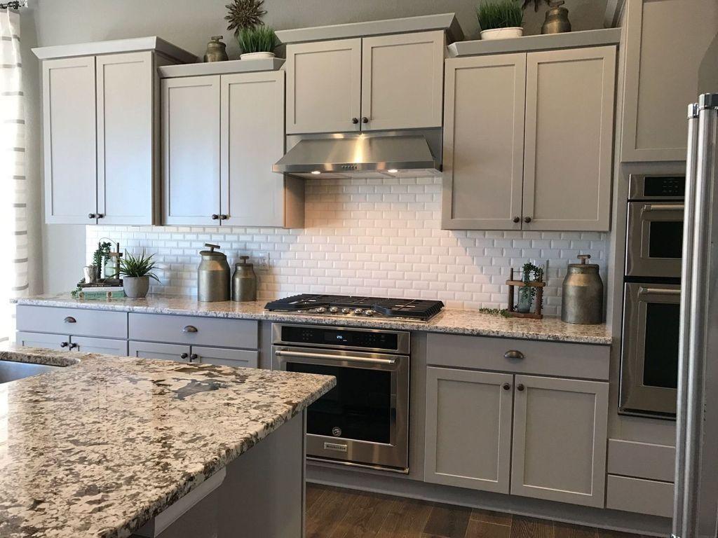 Cool 39 Rustic Minimalist Kitchen Design Ideas With Granite Decoration Kitchendesigngranite Kitchen Cabinets Prices Rustic Kitchen Kitchen Design