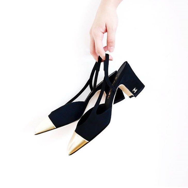 We love the new edition of the #ChanelSlingbacks!