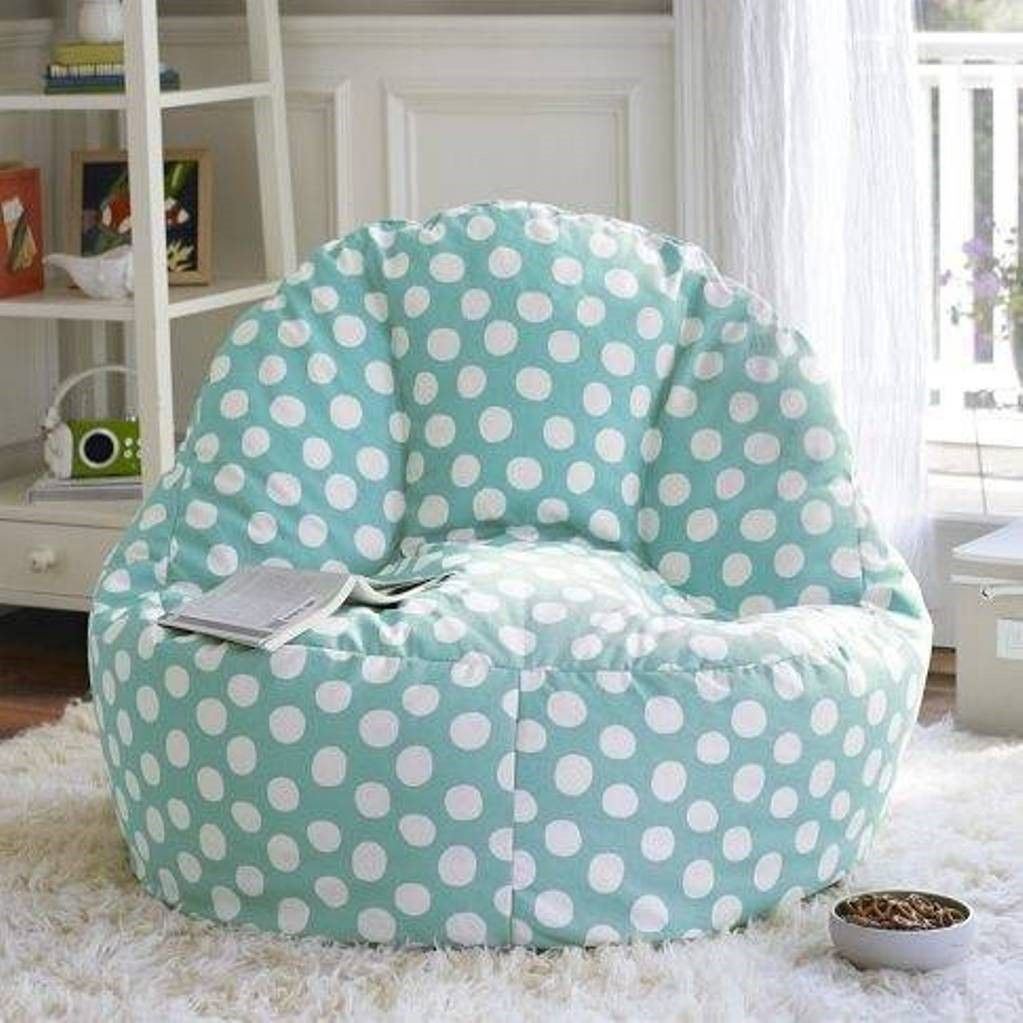 Furniture , Cool And Comfy Teen Bedroom Chairs : Blue Polka Dots Teen  Bedroom Chairs With Shag Rub