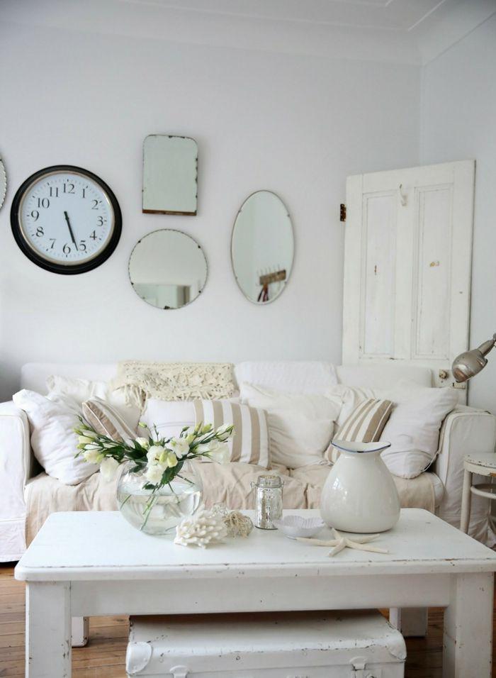 shabby chic ideen weißer couchtisch hocker koffer metallene kanne - wohnzimmer ideen shabby chic