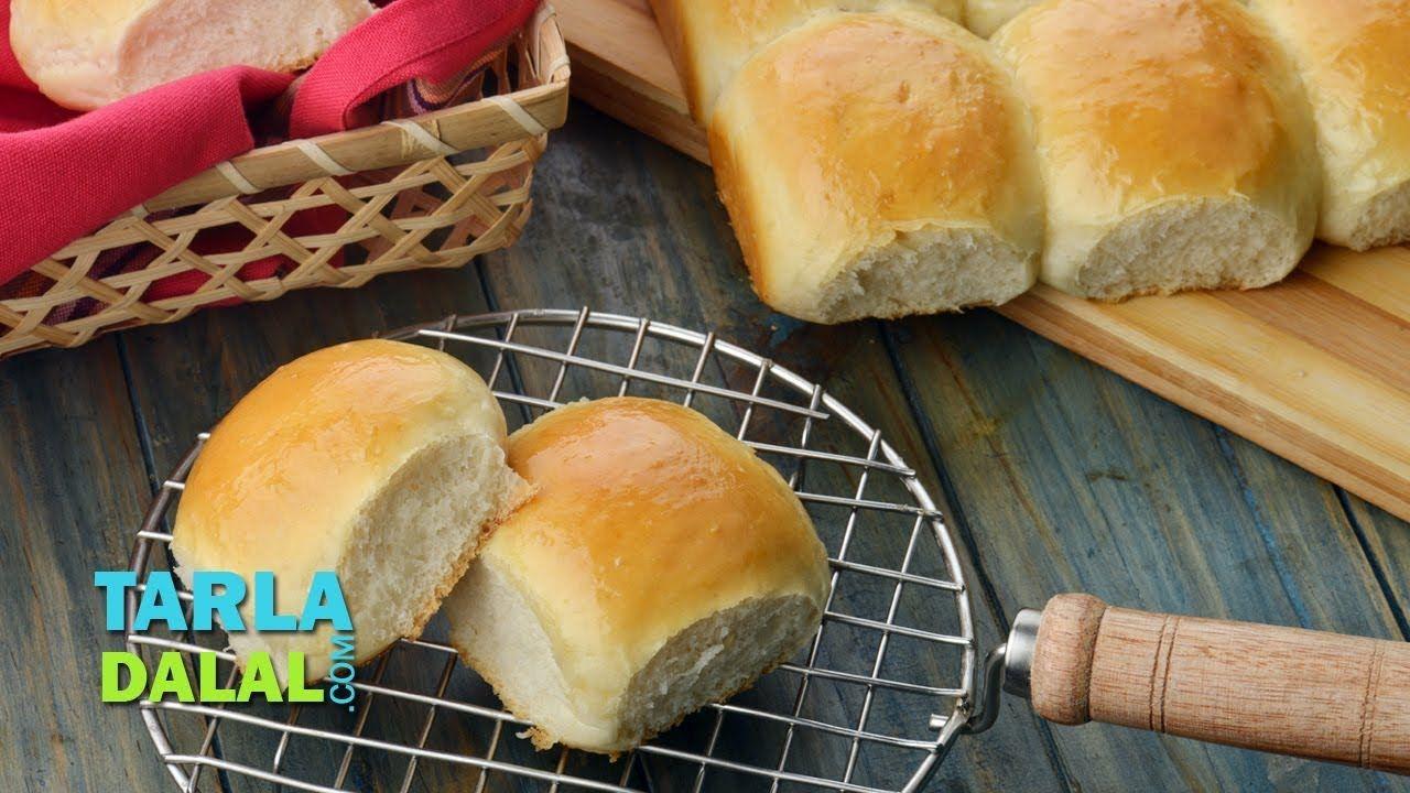 लादी पाव (Ladi Pav, Eggless Homemade Laadi Pav Buns) by ...