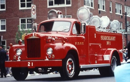 1959 Mack Fdny Searchlight Truck A Very Eye Catching Piece Of