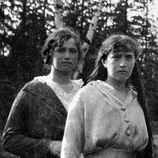 Maria And Anastasia Romanov In Captivity In Siberia During The