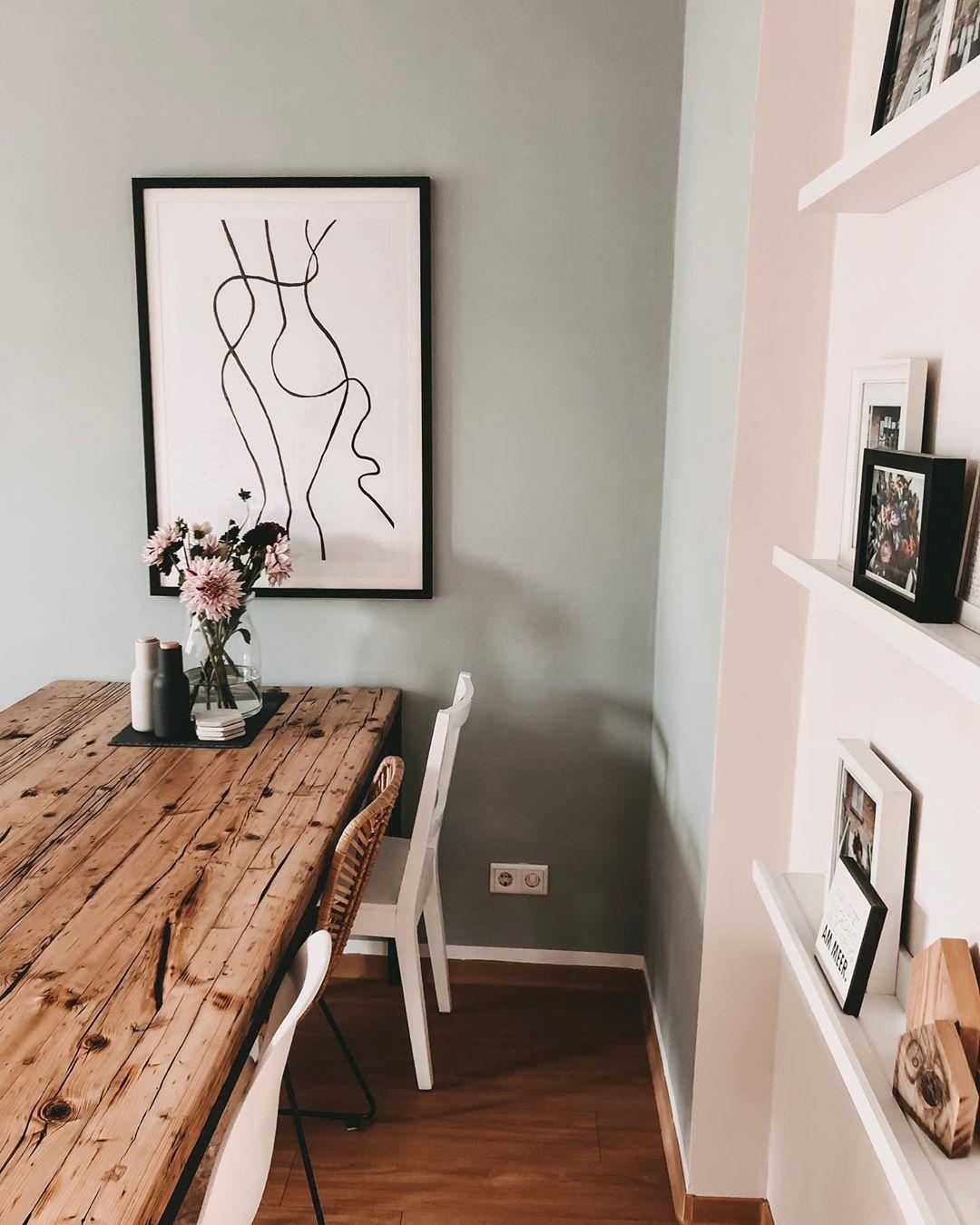 MIRA-MIRROR.COM (@miiramirror) • #table #woodtable #esszimmer #wandfarbe #salbei Alpina Feine Farben Sanfter Morgentau #alpinafeinefarben MIRA-MIRROR.COM (@miiramirror) • #table #woodtable #esszimmer #wandfarbe #salbei Alpina Feine Farben Sanfter Morgentau #alpinafeinefarben