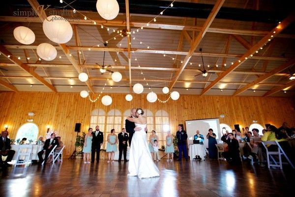 See Maneeleys Banquet Catering And The Lodge At Maneeley S On Weddingwire Wedding Wire Reception Venues Venues