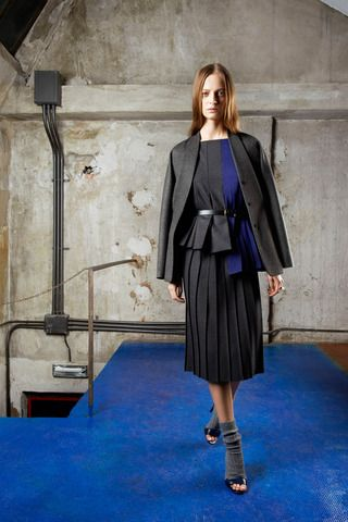 Vionnet Pre-Fall 2014 Collection Slideshow on Style.com