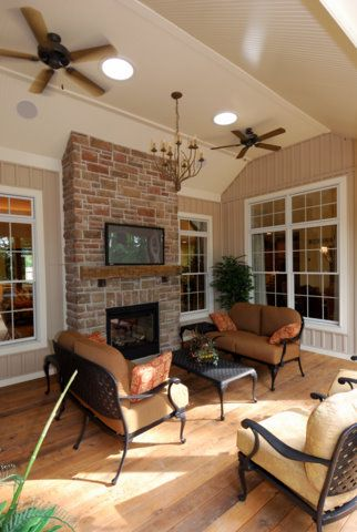 Outdoor living - Durham design by DH Custom Homes
