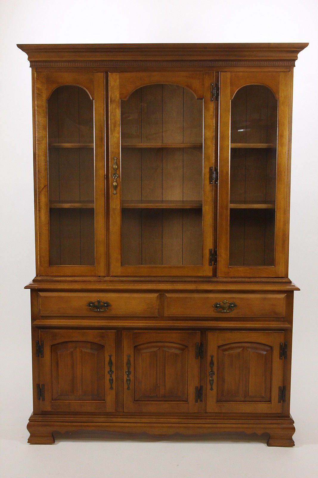 Pennsbury Manor China Cabinet Hutch Buffet By Garrison Solid Hardrock Maple - Pennsbury Manor China Cabinet Hutch Buffet By Garrison Solid