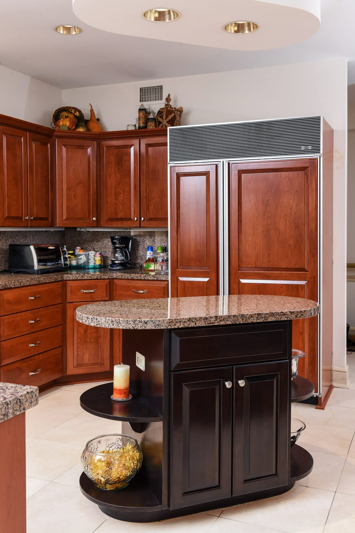 How Do You Get A Traditional Look With Modern Appliances With Furniture Panels Cherry Wood Panels That Kitchen Remodel Modern Appliances Traditional Kitchen
