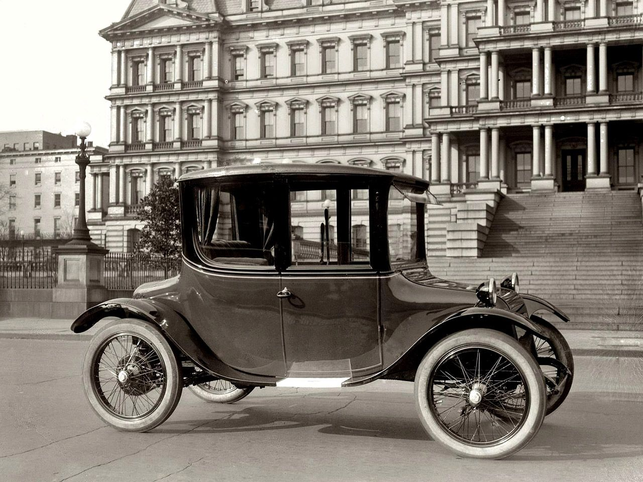 1921 Detroit Electric Coupe Electric Cars Vintage Cars Antique