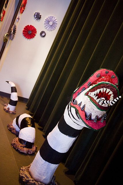 This Beetlejuice Wedding Decor Is Shrinking My Head In