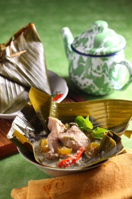 Garang Asem One Of A Warm Dish From Central Java Indonesia Chicken Cooked In Banana Leaves Steamed Resep Masakan Indonesia Resep Masakan Asia Resep Masakan