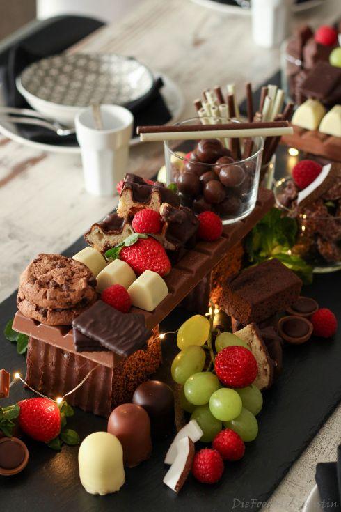 Schokobar-Tischdeko mit Blogparade #SchokoladenGenüsse #kuchentisch