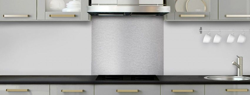 Crédence de cuisine Alu-Inox sur mesure fond de hotte aluminium ou