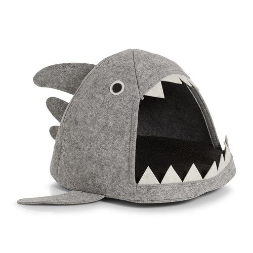 Archie & Oscar Shark Cat Bed Cat basket, Dog clothes
