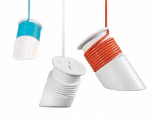 OWIJKA | kabo-pydo | lampa, której wysokość można dowolnie regulować  | wielofunkcyjny kabel jednocześnie mocuje lampę, reguluje wysokość oraz, wraz ze szlachetną ceramiką, pełni funkcję estetyczną, tworząc ciekawą strukturę wokół klosza. Lampa charakteryzuje się szczerością materiału i surową formą, które wynikają bezpośrednio z jej funkcji.  Lampa przeznaczona jest do różnego rodzaju pomieszczeń... | 400 pln