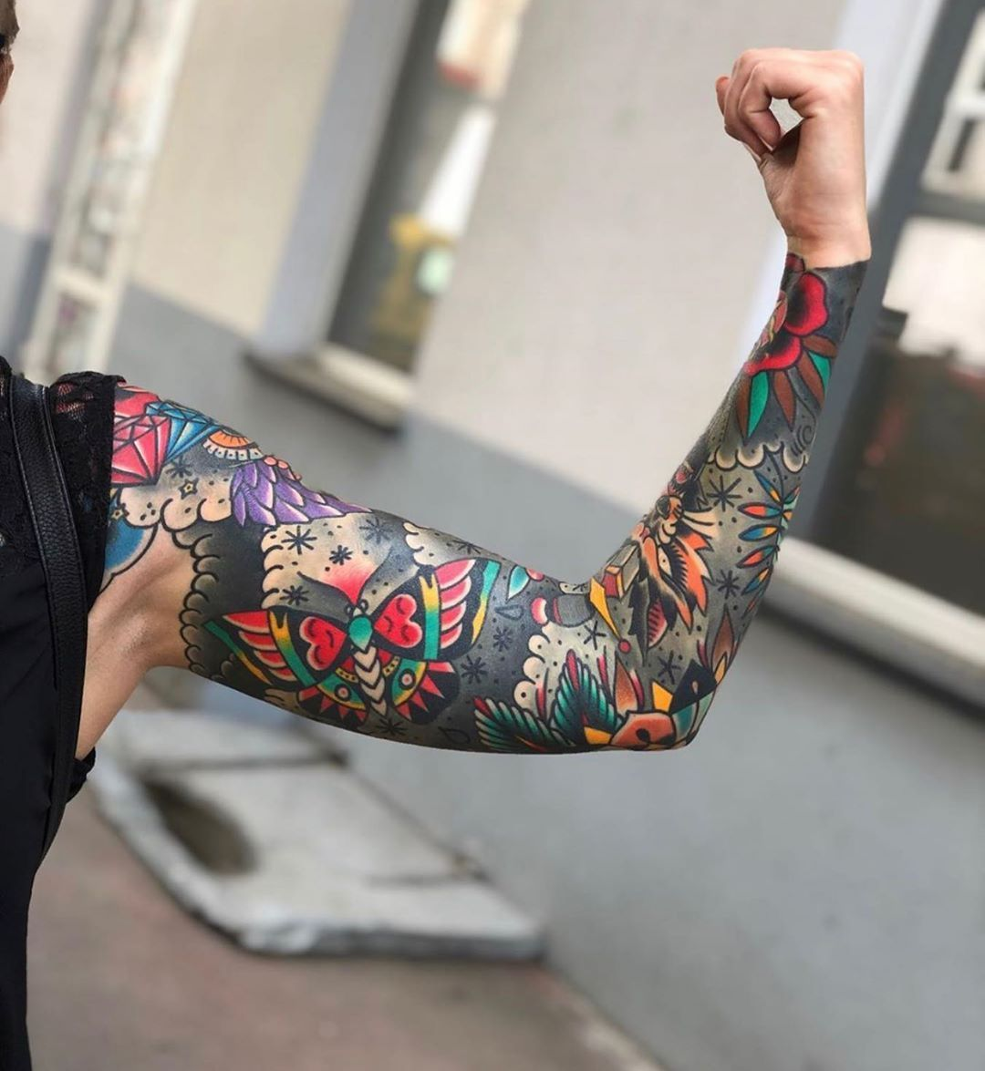 Traditional Tattoo On Instagram Tattoo By Mikenofcuk Traditional Traditionaltattoo Traditional In 2020 Sleeve Tattoos Traditional Tattoo Floral Tattoo Sleeve