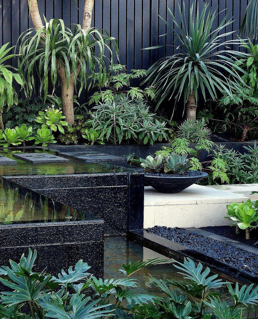 Modern Garden Edging Ideas: James Wong + David Cubero / Amphibian Designs Pinned To