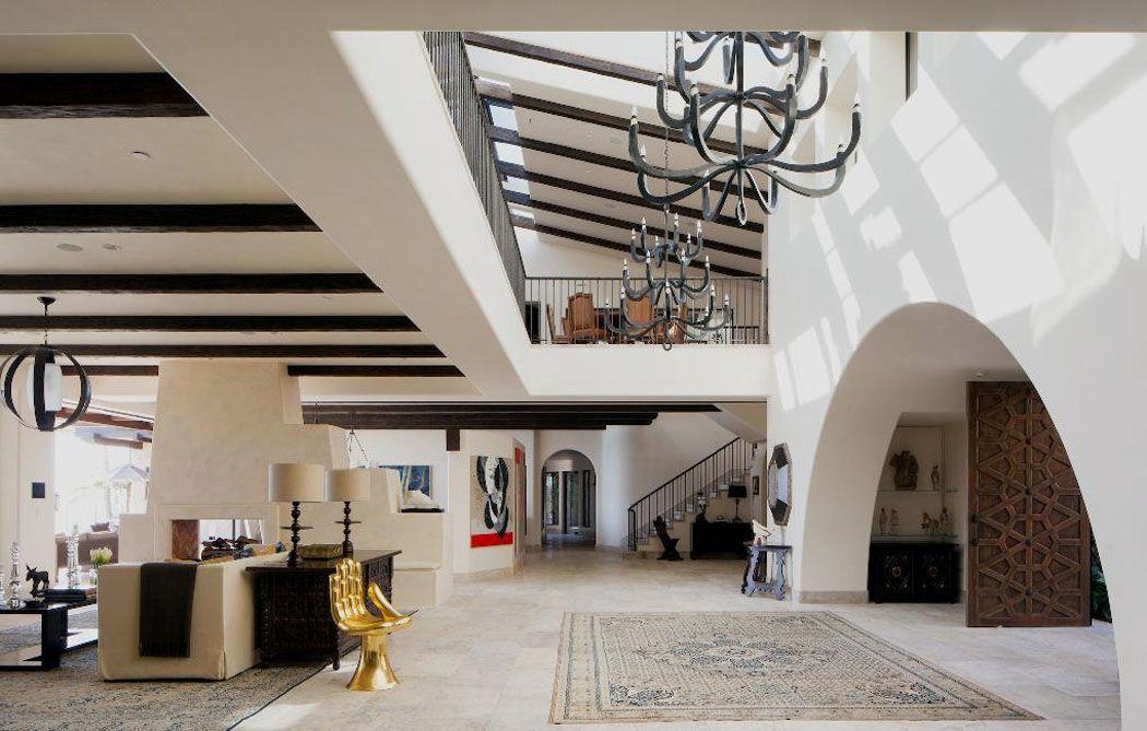 Un ranch américain modernisé californien à l\'intérieur luxueux et ...