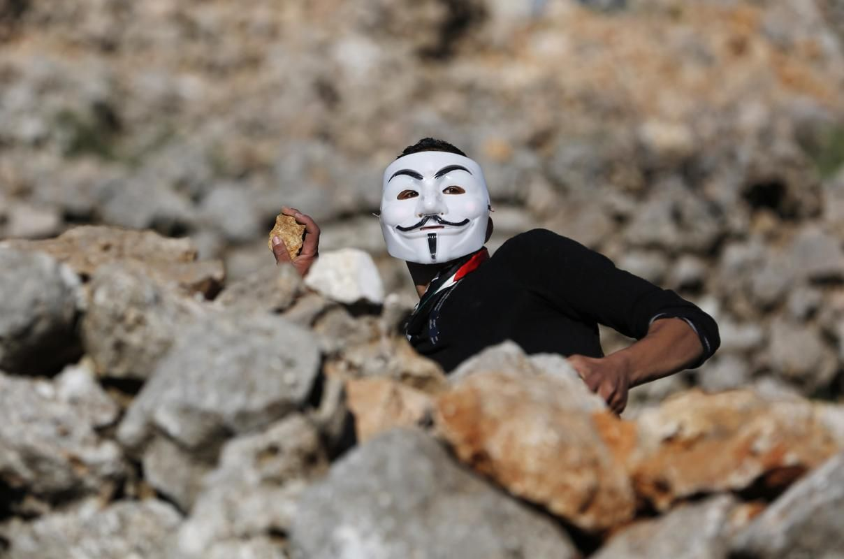 Photos Of The Day March 28 2014 Guy Fawkes Mask Photo World Cultures