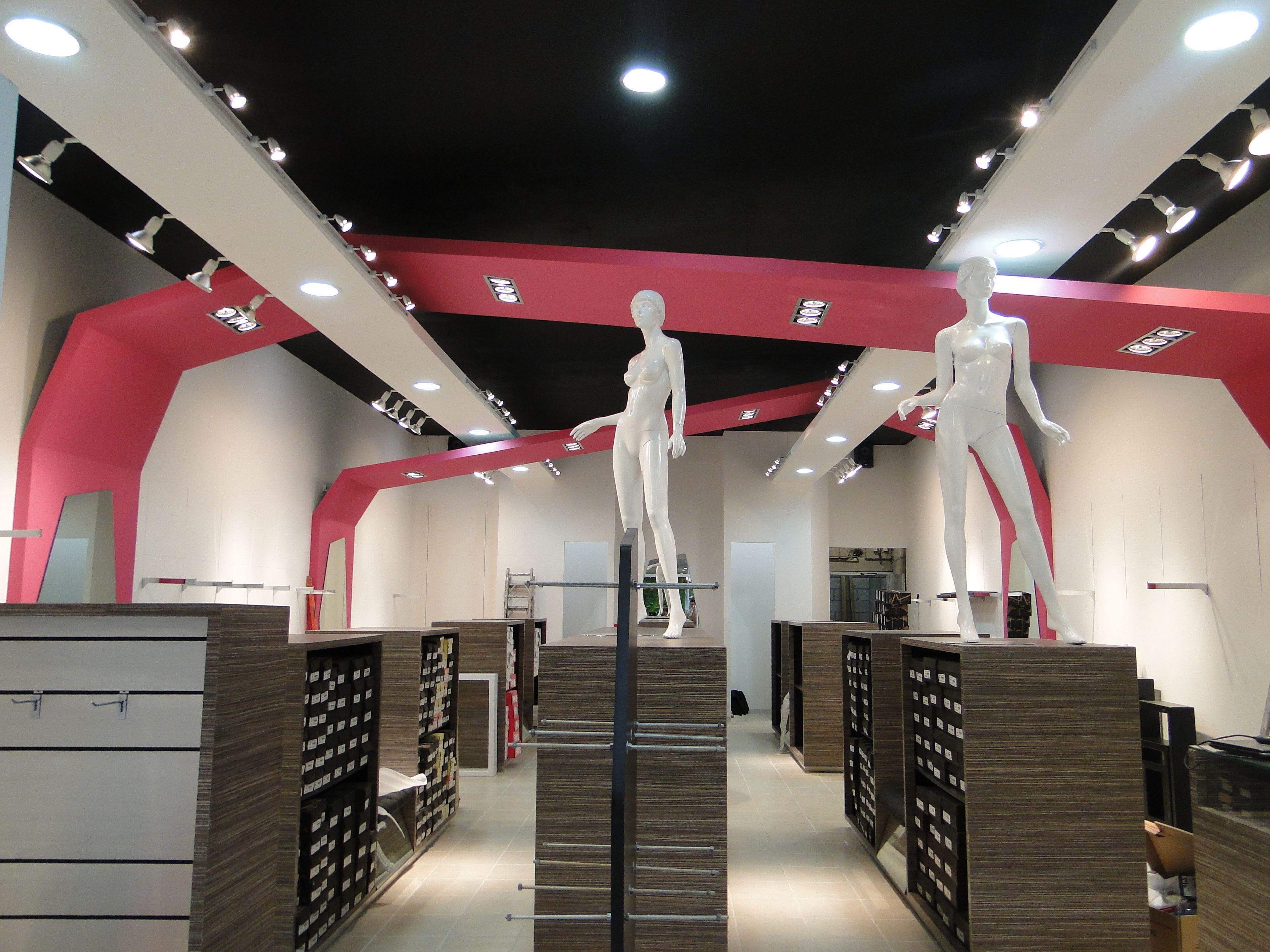 Fabrica de muebles cocinas closets muebles para tiendas for Fabrica de muebles para oficina