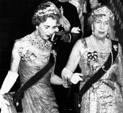 Queen Ingrid of Denmark with her mothers cousin Queen Victoria Eugenie of Spain.