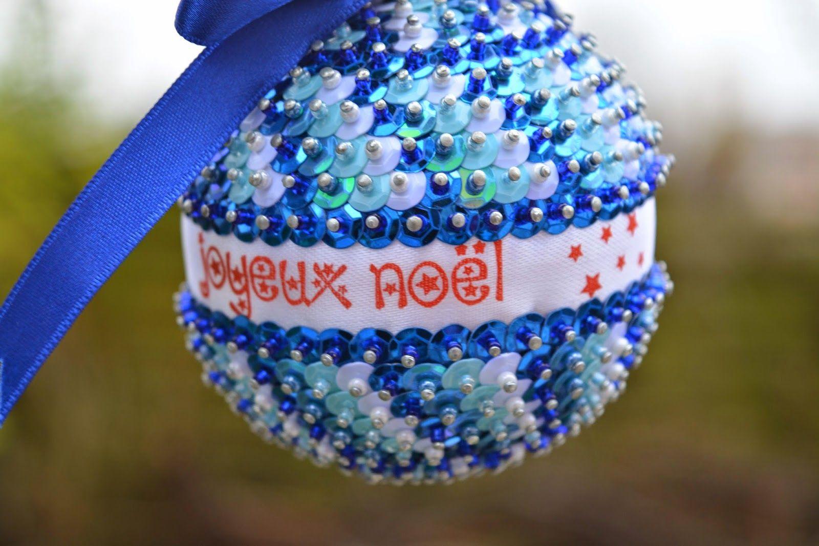 #joyeuxnoel #noel #bouledenoel #blogger #blog #french #frenchbloggers #blogger #bloggeuse #deco #decorationsNoel #french #frenchbloggers