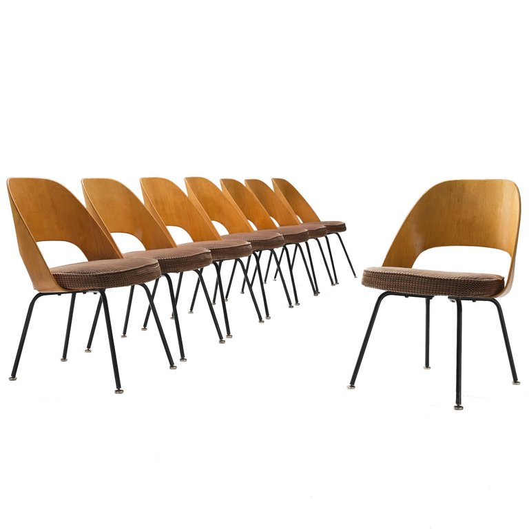 Set Of Eight Eero Saarinen For Knoll Dining Chairs Knoll Dining