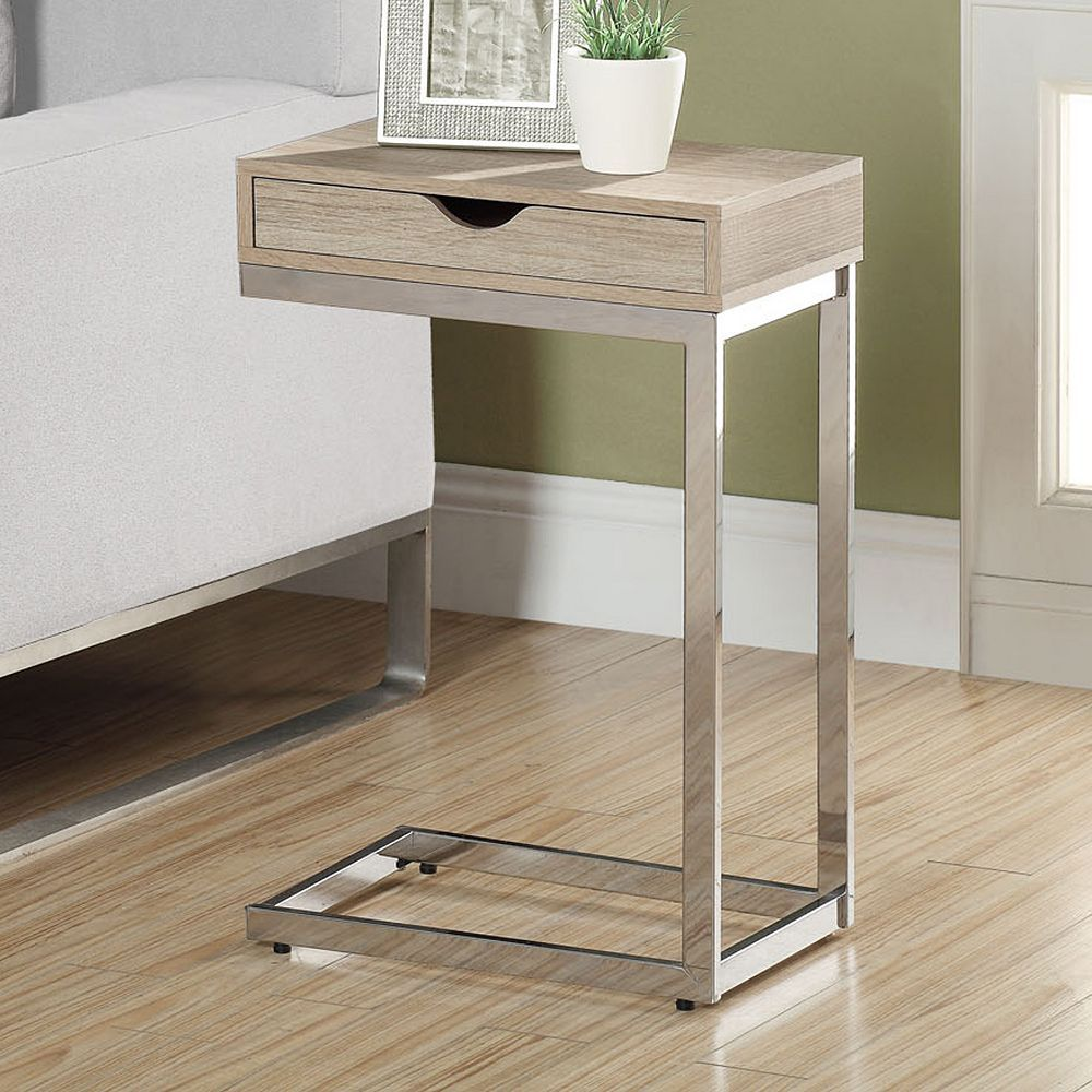 I like this little table, but it might not be terribly practical in my place.