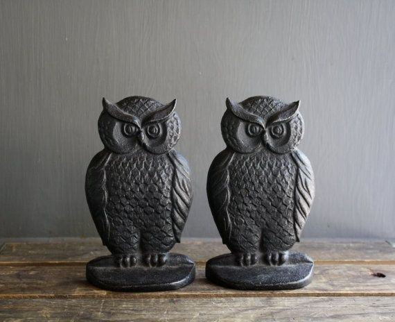 Beautiful Very Sweet Pair Of Vintage Cast Iron Owl Bookends.