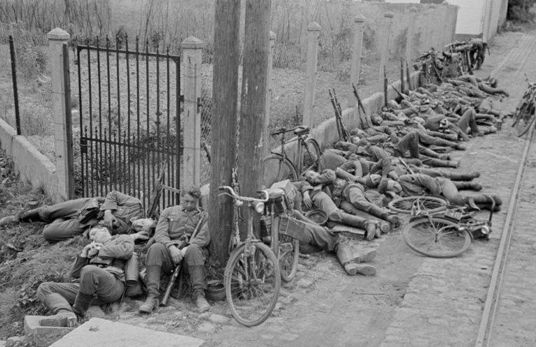 Привал велосипедистов | Первая мировая война, Война и Солдаты